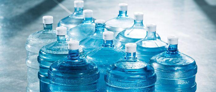 交換式/ 使い捨て式と2種類あるボトル